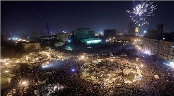 タハリール広場にあがる花火