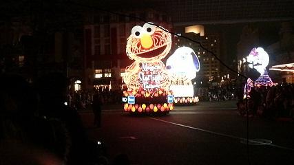 USJナイトパレード・エルモ!
