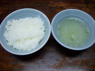 東京餃子楼(ご飯(スープ付き)¥180)