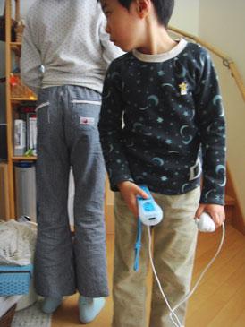 ラグランTシャツ120&布帛ブーツカットパンツ140
