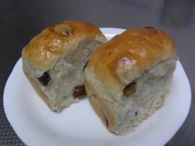 レーズンクルミパン