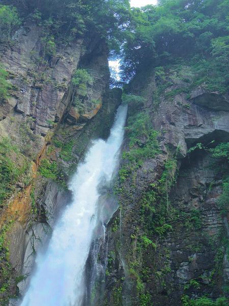 西椎屋の滝5