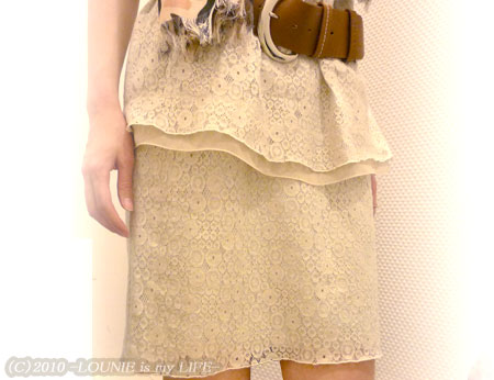 LOUNIE(ルーニィ)通販:'10春の公式カタログにも掲載!LOUNIE(ルーニィ)2010春物★レースチュニック×おそろいのレーススカートで、大人かわいいセットアップを楽しむ♪