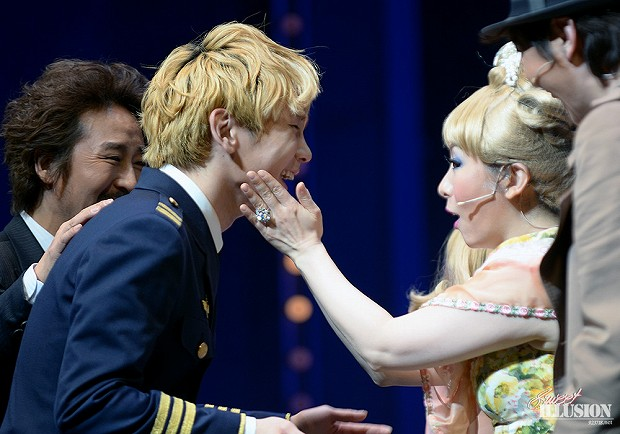 130125 Catch Me If You Can Musical PM4 - 6-3