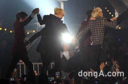 131114 MelOn Music Awards newsphoto -1-1
