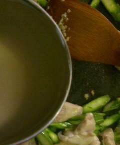 鶏肉とアスパラの中華風塩炒め6