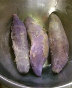 緑色の紫イモのシフォンケーキ3