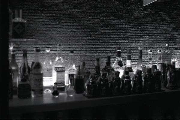 壁とボトル