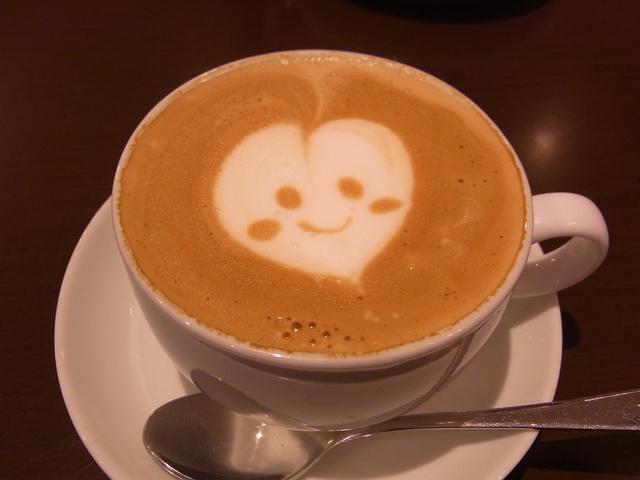 ねこまめカフェのカプチーノ「ハート」