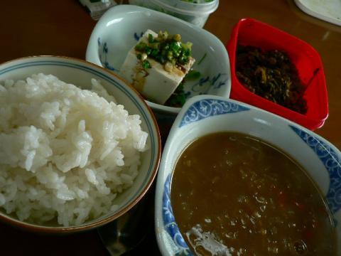 地味にご飯とスープ