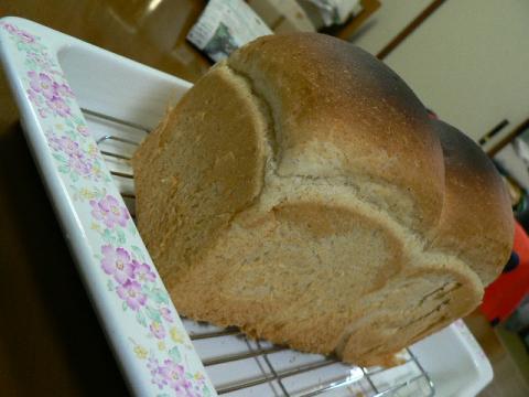 全粒粉1割入りの食パン