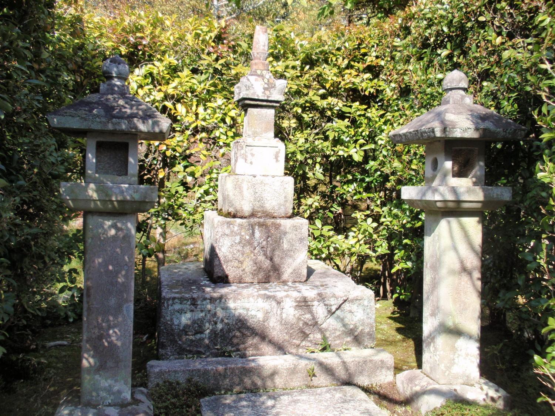等持院・足利尊氏の墓