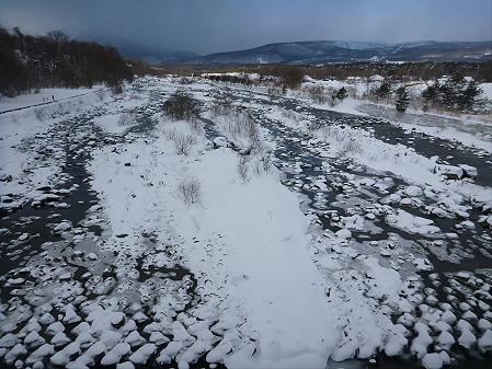 刈屋橋の松川01(2013.2.9)