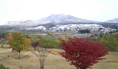 高社山とマレットゴルフ場(25.11.12)