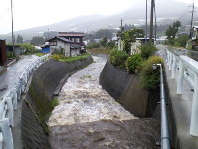 笹川も増水(25.8.23)