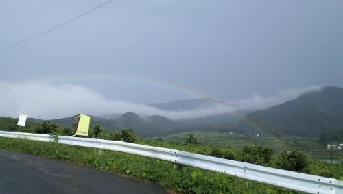 竜王山方向に虹(25.9.1)