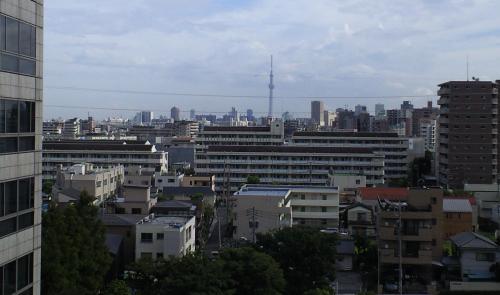足立区役所からスカイツリー(25.9.5)