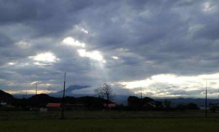 秋の雲は青い色(25.9.8)
