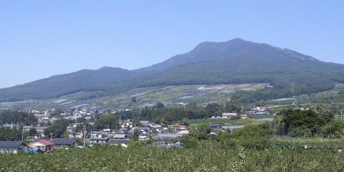 高社山と宇木の集落(25.9.21)