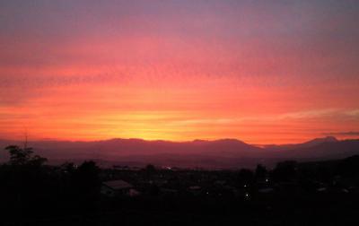 北信五岳に夕焼け(25.10.4)