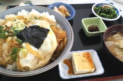 お昼は玉子丼(25.10.23)