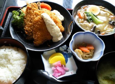 居食亭ほうせい丸で昼食(25.10.24)
