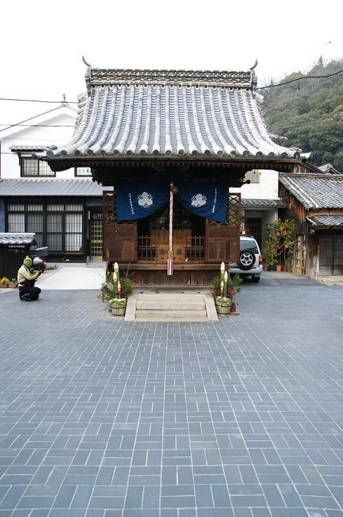 路地の神社