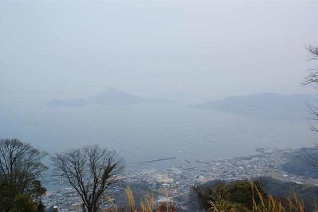 砲台山から江田島を見渡す