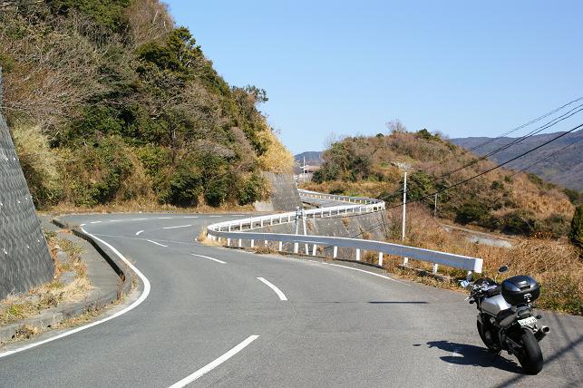 長島の南側はワインディングが続く