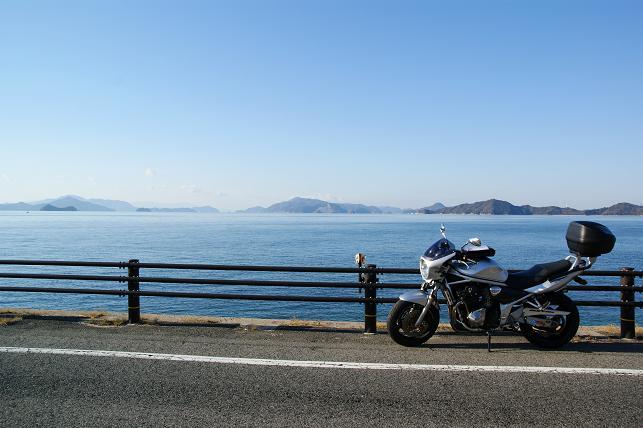 瀬戸内海の海沿いにて