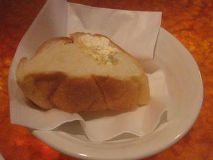 8VOL2+つけあわせのパン バターのせ