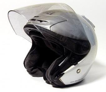 120219ヘルメット1