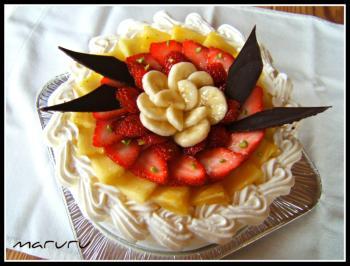 苺パインバナナケーキ