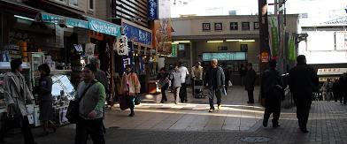 阪急・十三駅西口