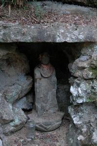 岩窟の地蔵