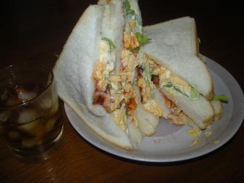 スクランブルジエッグ・サンドウィッチ