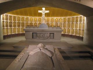 大司教の納骨堂。