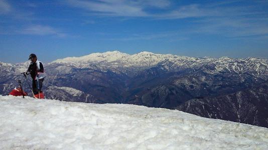20110417荒島岳からみた白山