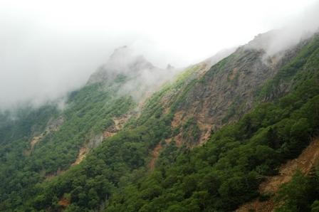 20110811-6文三郎尾根からみた横岳