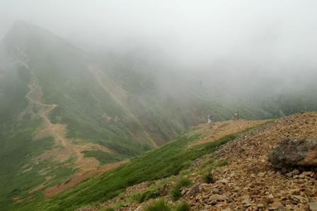 20110811-7阿弥陀岳方面を振り返る