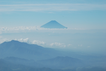 20110812-3横岳付近から富士山
