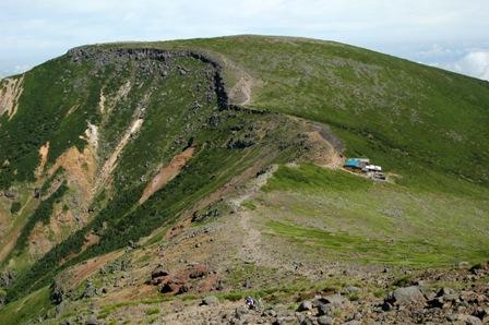 20110812-6大ダルミから見た硫黄岳山荘