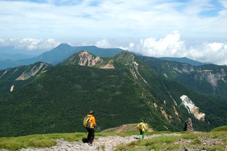 20110812-8硫黄岳から見た天狗岳