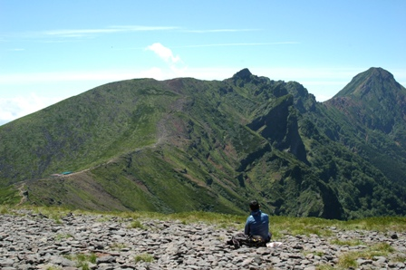 20110812-8硫黄岳から赤岳方面振り返る