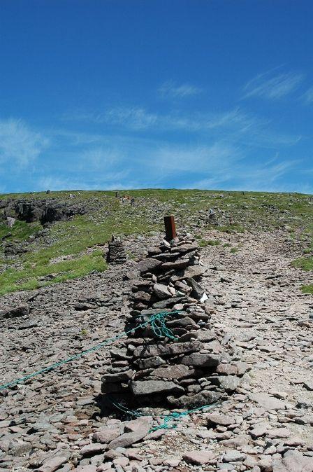 20110812-7硫黄岳山荘から見た硫黄岳ケルン
