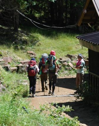 20110812-9赤岳鉱泉ベビーキャリー