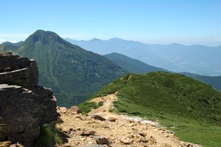 20110812-9硫黄岳から赤岩の頭方面