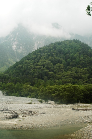20110816-3 横尾手前、霧の山