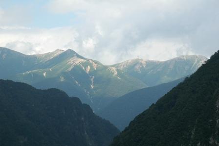 20110816-5 涸沢手前、常念山脈