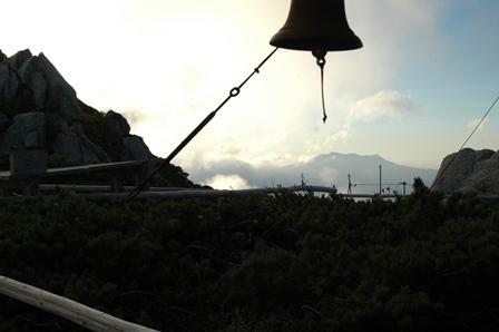 20110923_11御嶽山とベル